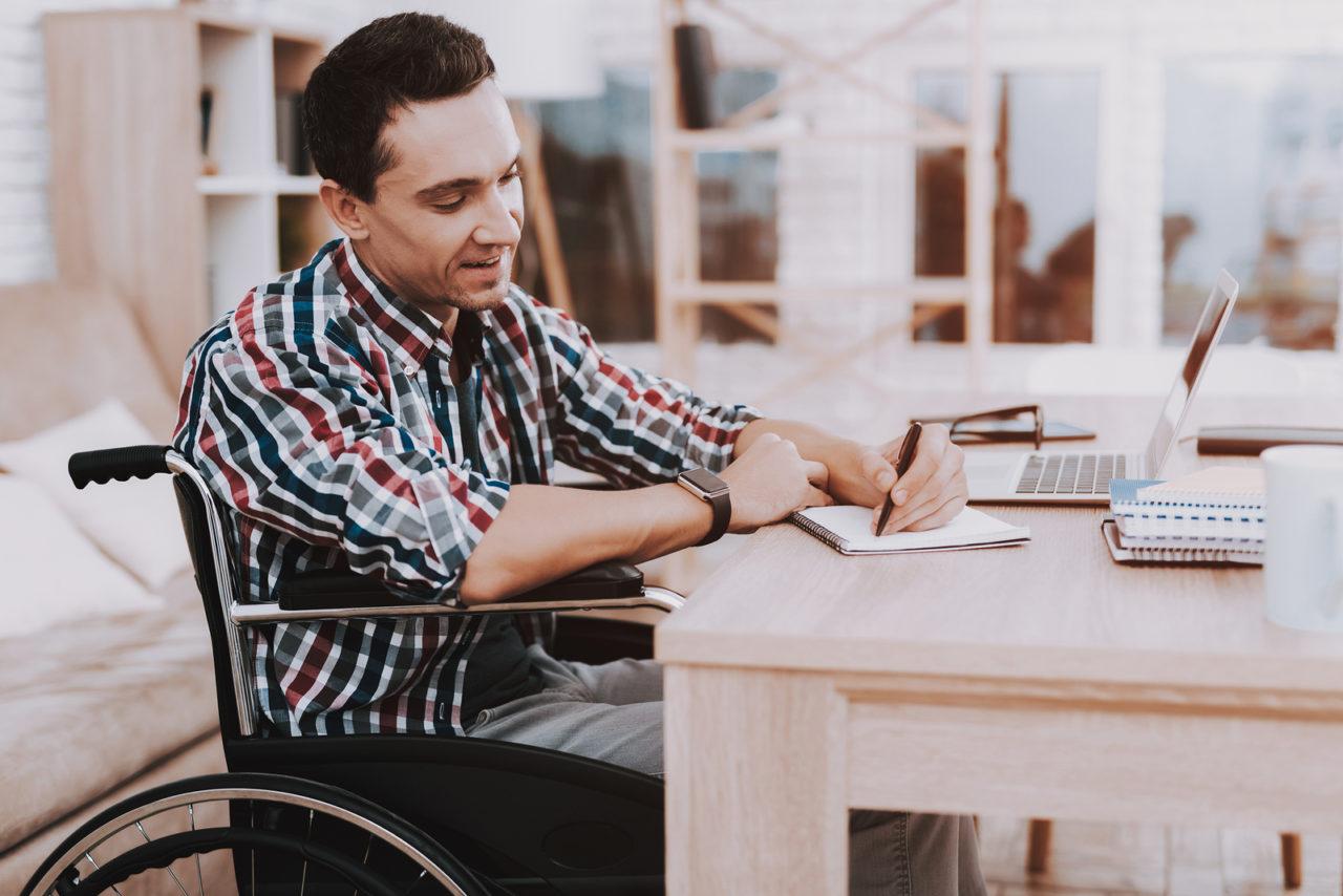 Nachprüfungsverfahren Berufsunfähigkeitszusatzversicherung - wirksame Einstellungsmitteilung
